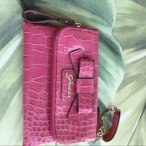GUESS PINK FAUX CROC WRISTLETS WITH CHAIN